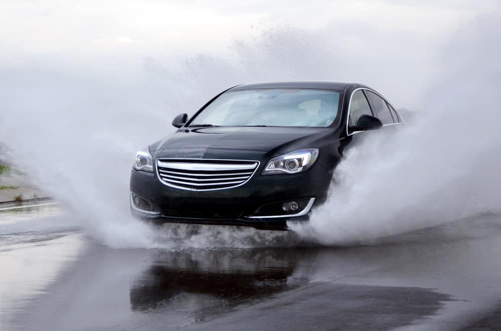 How-to-Drive-During-Aquaplaning What is Aquaplaning and How Can it Affect Your Driving?