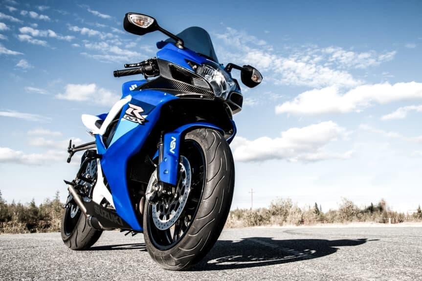 sportbike-Suzuki-GSX-R750 8 Different Types of Motorcycles - Beginners Guide